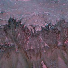 Líneas misteriosas en Marte talladas por el agua, sugiere un estudio