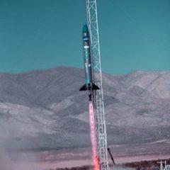 Pequeños satélites se elevan (y chocan) en la prueba de lanzamiento del desierto