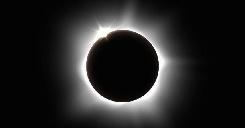 Eclipse lunar' Luna de nieve' brilla con cometa esta noche: Qué esperar